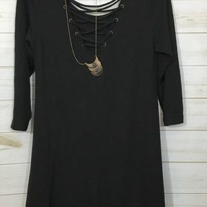 Tops - Heart soul black tunic w/ statement necklace NWT L